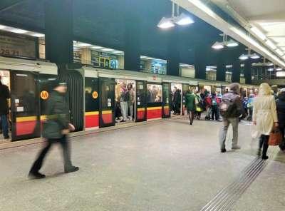 Общественный транспорт в Варшаве - метро