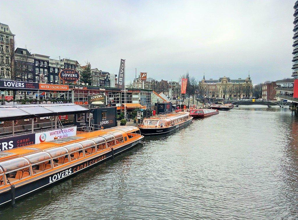 Хорошие хостелы в Амстердаме. Регион Голландия. Нидерланды.