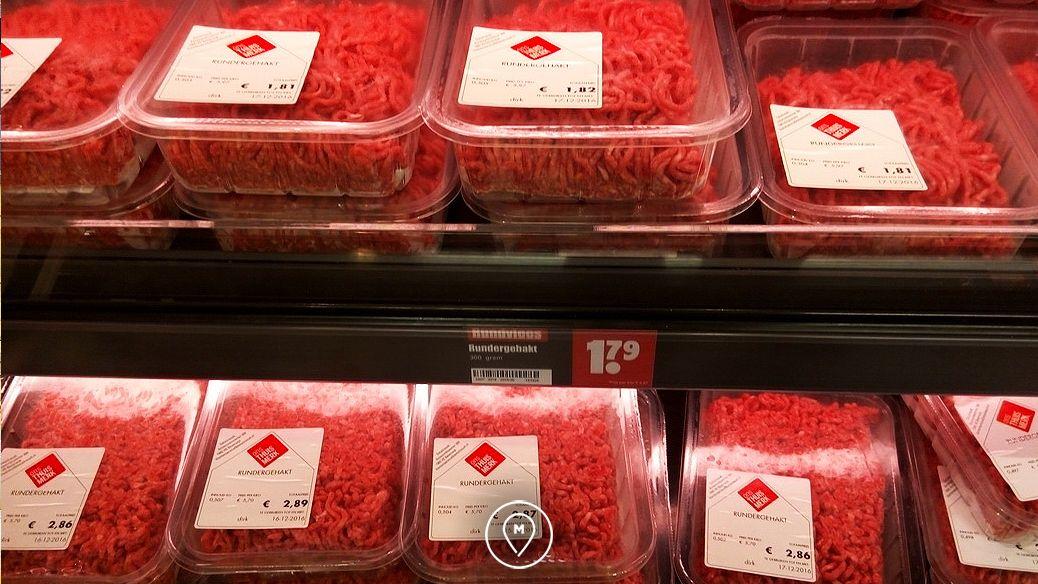 Мясо в супермаркете Dirk в Амстердаме