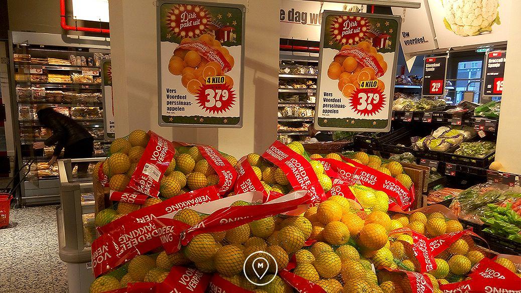 Фрукты в супермаркете Dirk в Амстердаме
