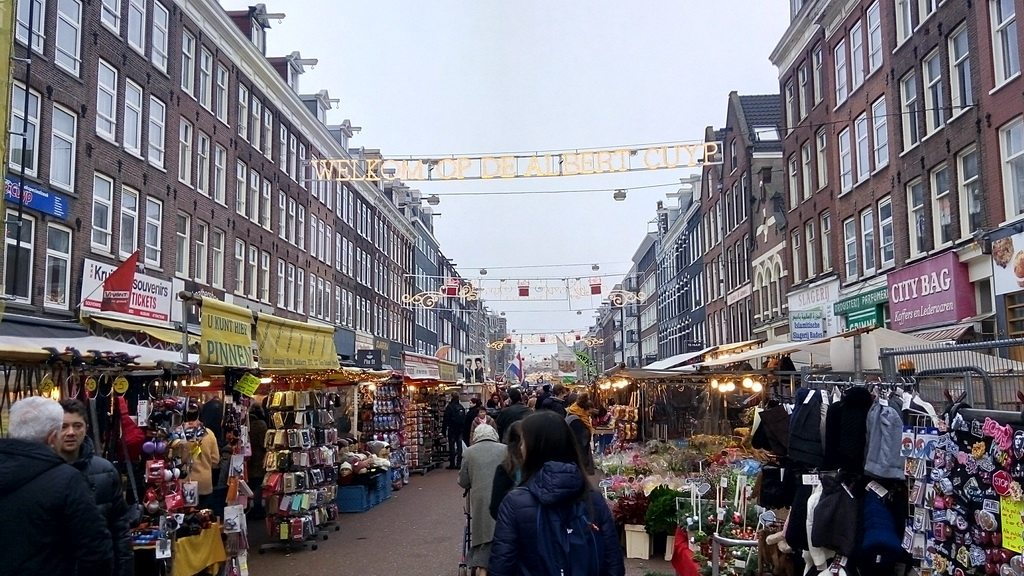 Рынок Альберта Кейпа в Амстердаме