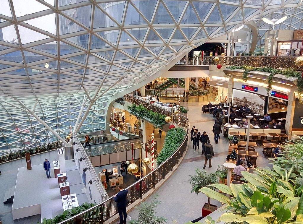 """Торговый центр """"Золотые Террасы"""" в Варшаве"""