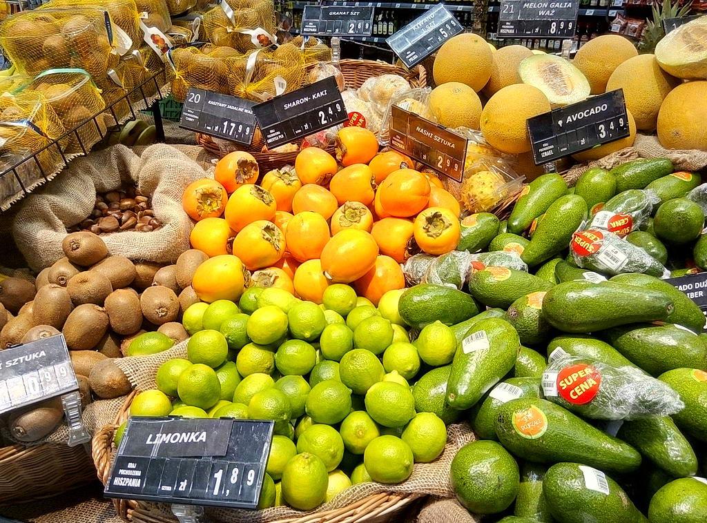 Цены на хурму в супермаркетах Варшавы