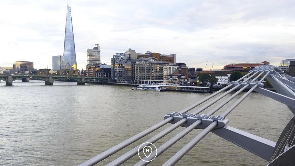 """Вид на небоскреб The Shard с моста """"Миллениум"""" в Лондоне"""