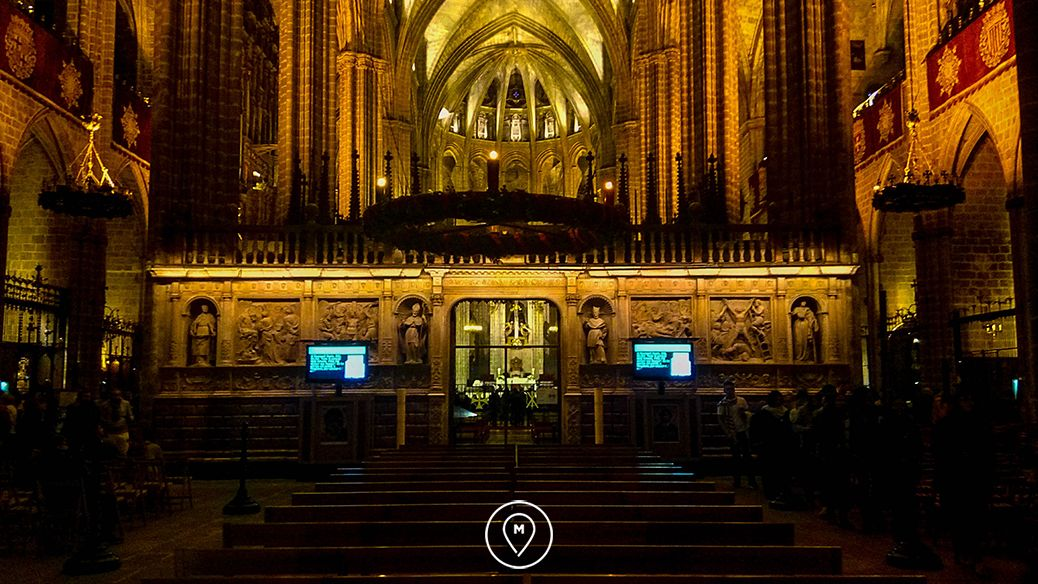 кафедральный собор Барселоны – Святого Креста и Святой Евлалии внутри